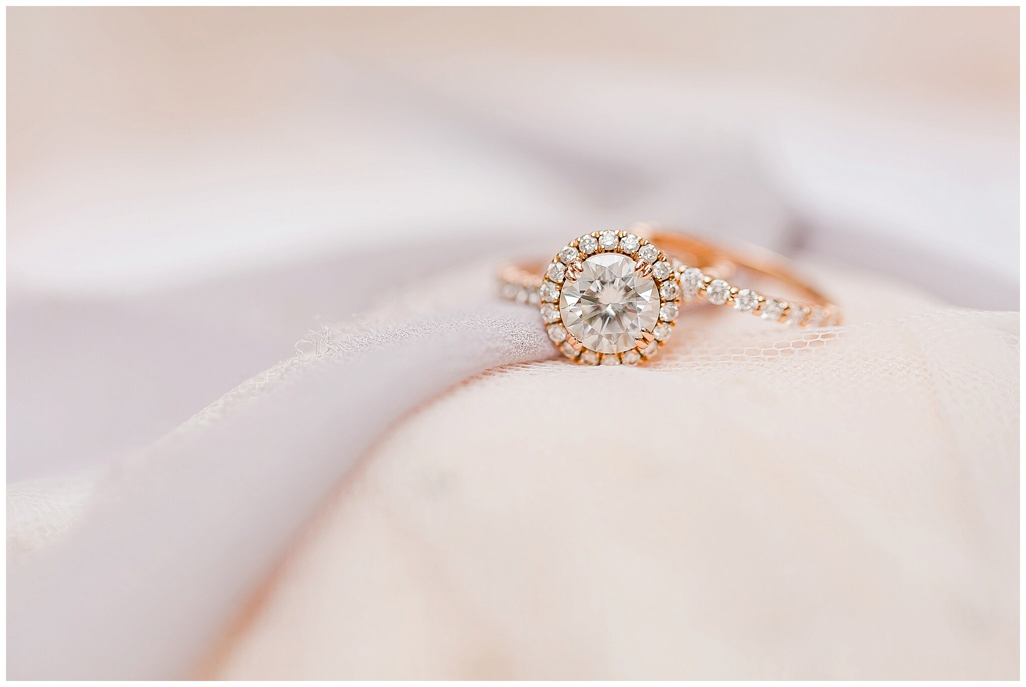 over_the_vines_edgerton_wisconsin_wedding_madison_wisconsin_photographer_0407.jpg