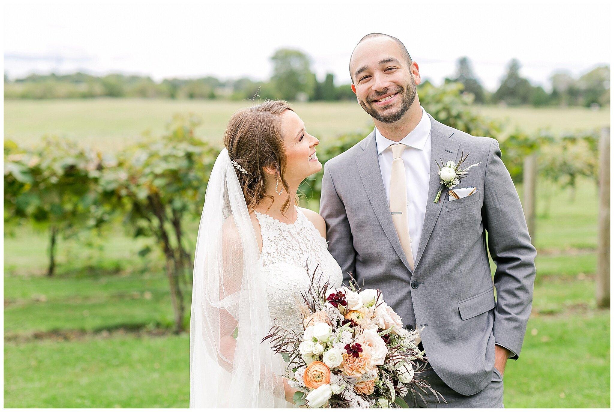 over_the_vines_edgerton_wisconsin_wedding_madison_wisconsin_photographer_0429.jpg