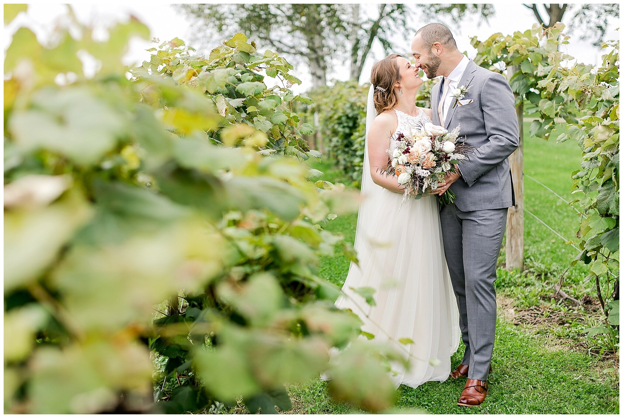 over_the_vines_edgerton_wisconsin_wedding_madison_wisconsin_photographer_0431.jpg