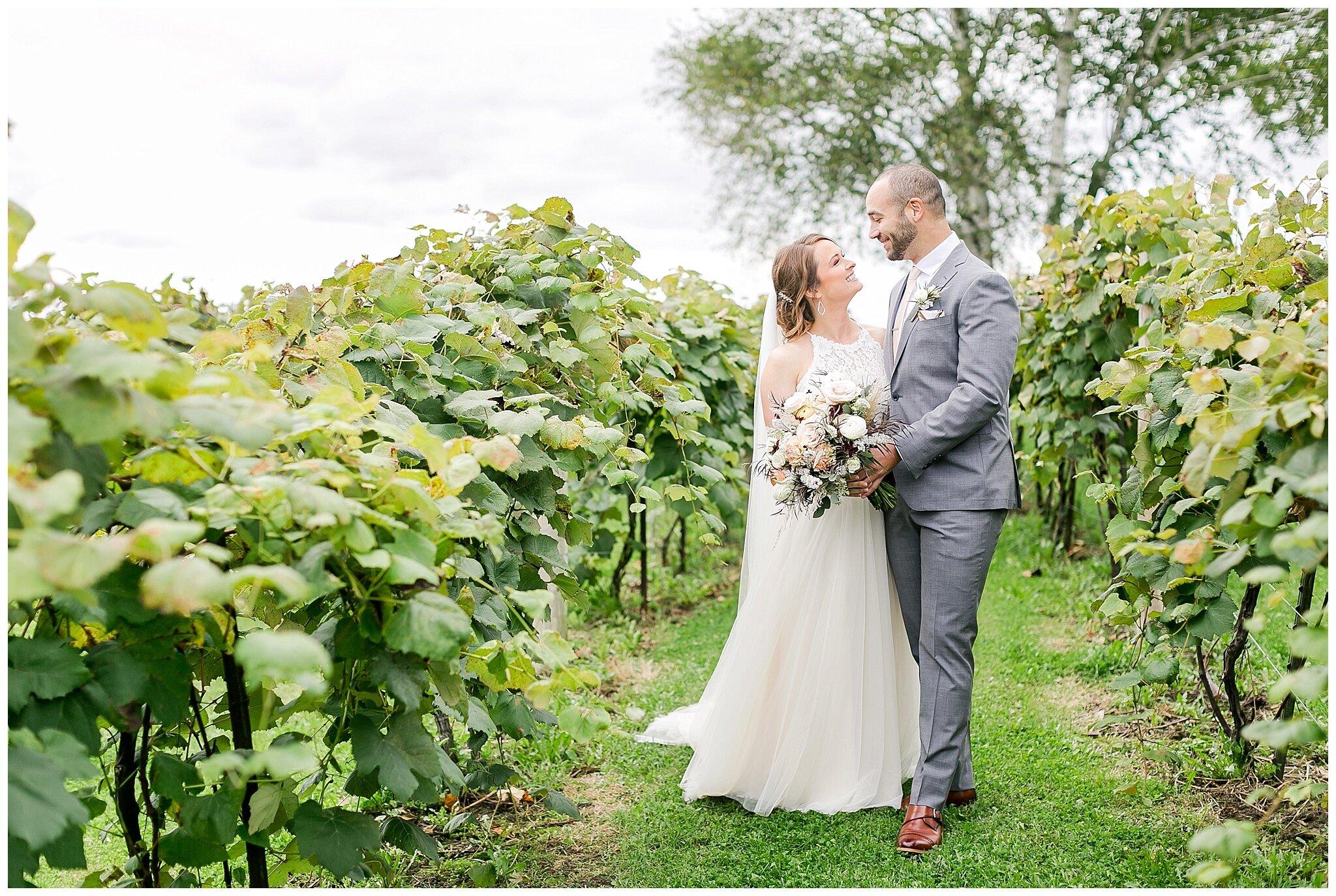 over_the_vines_edgerton_wisconsin_wedding_madison_wisconsin_photographer_0435.jpg