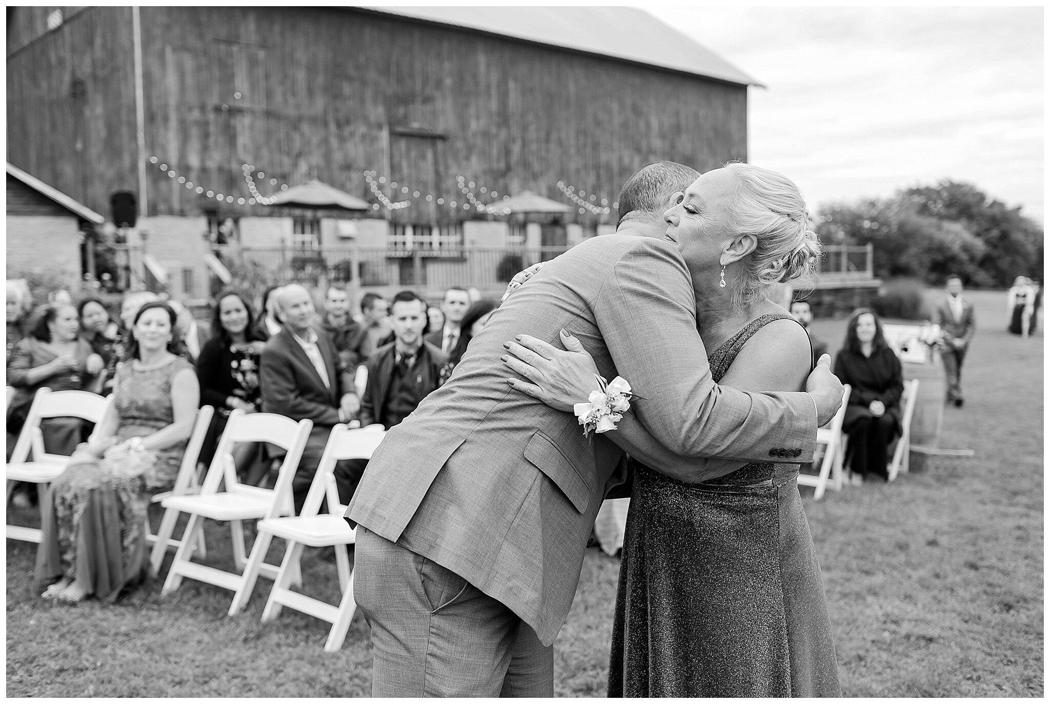 over_the_vines_edgerton_wisconsin_wedding_madison_wisconsin_photographer_0449.jpg