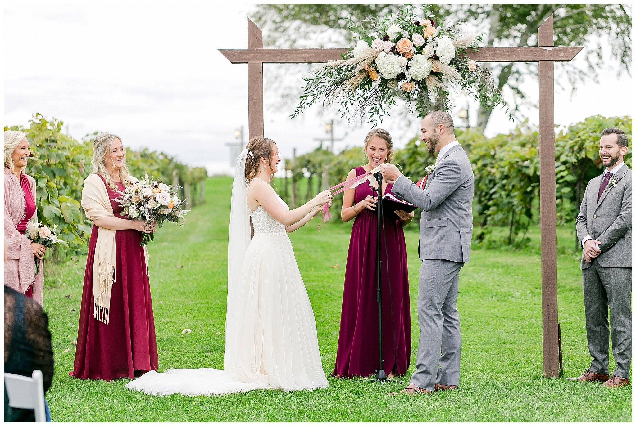 over_the_vines_edgerton_wisconsin_wedding_madison_wisconsin_photographer_0452.jpg