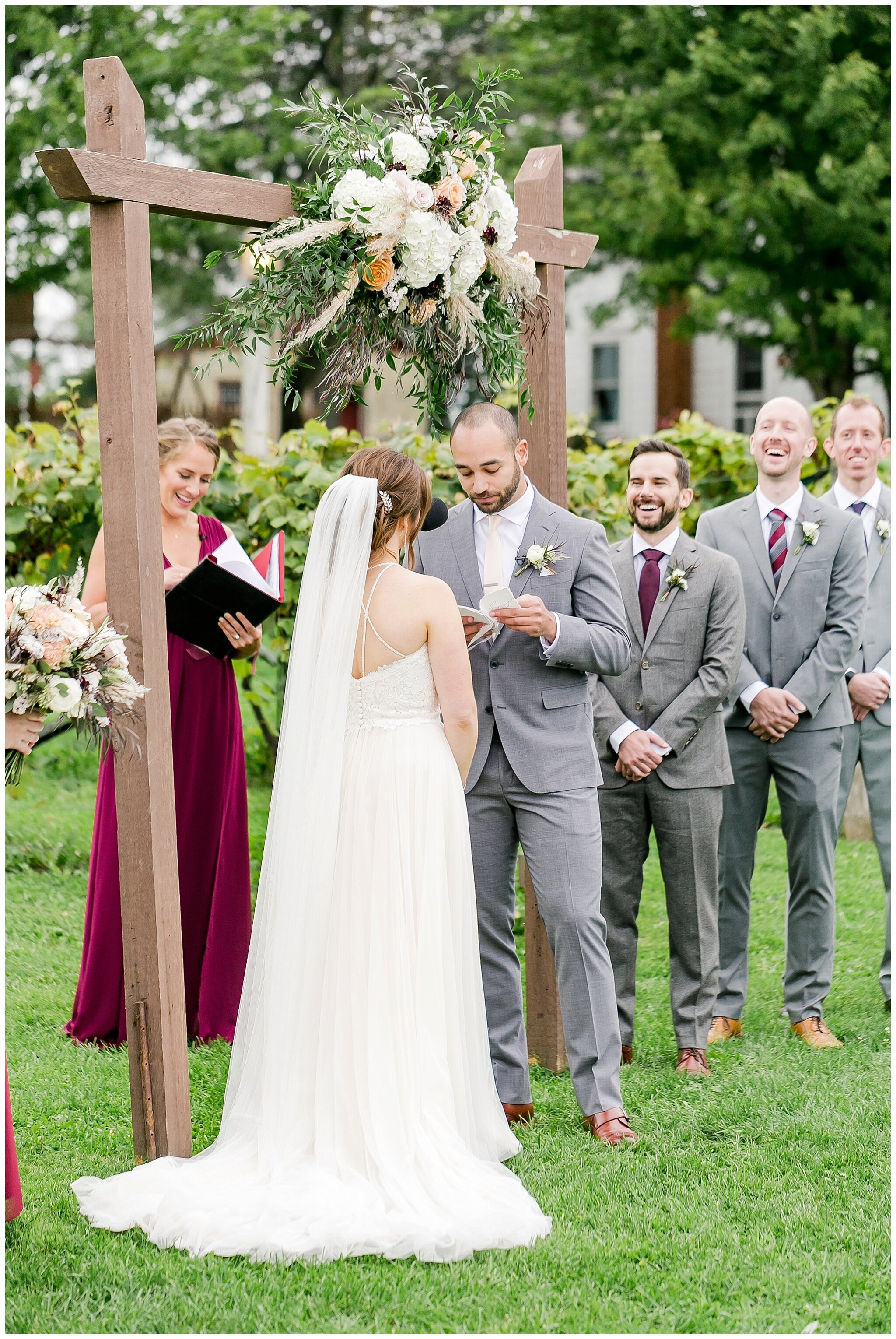 over_the_vines_edgerton_wisconsin_wedding_madison_wisconsin_photographer_0454.jpg