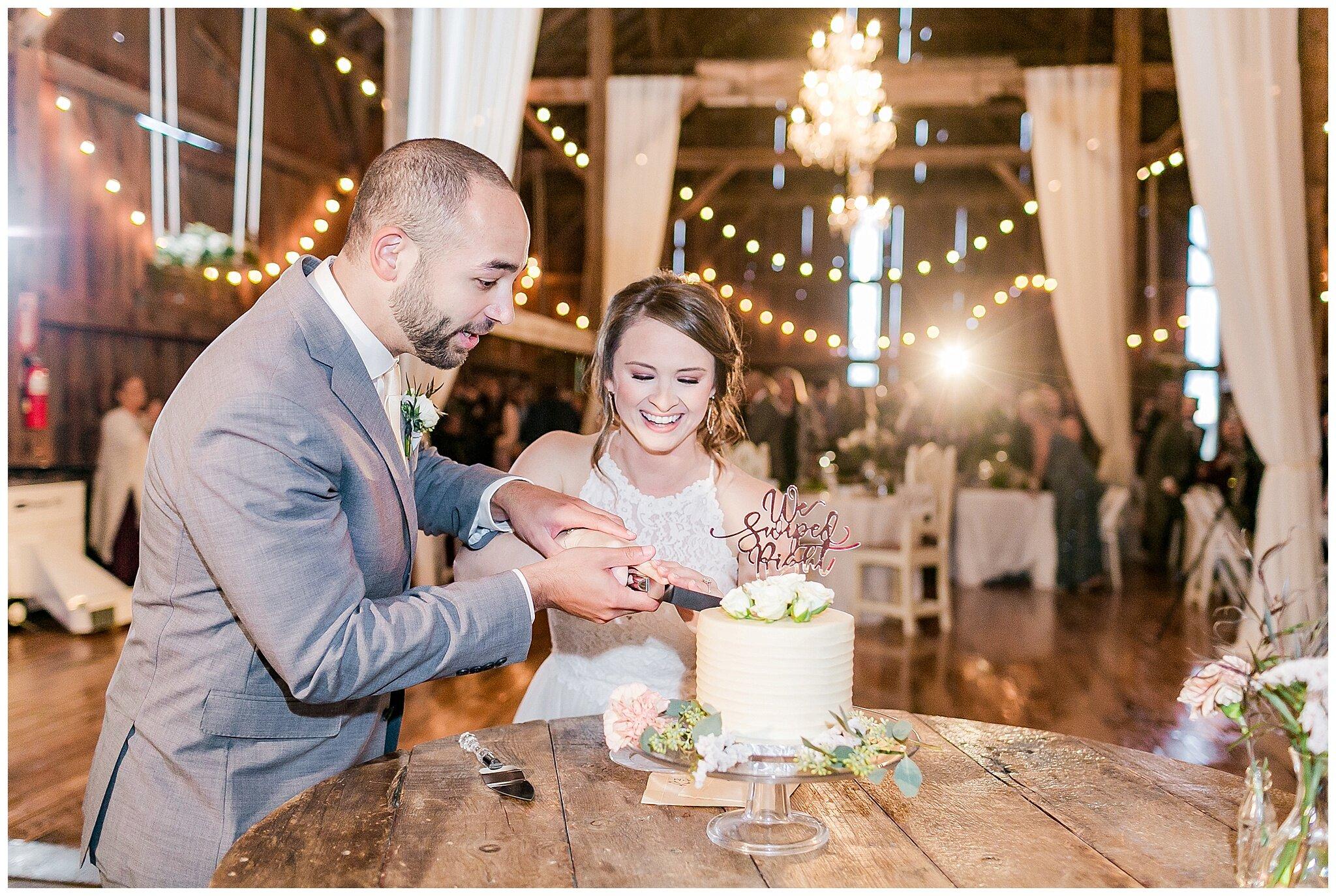 over_the_vines_edgerton_wisconsin_wedding_madison_wisconsin_photographer_0464.jpg