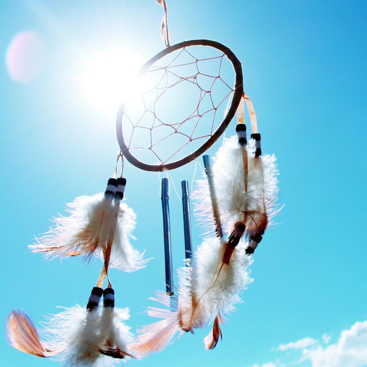 22 Ways To Create + Manifest A Kind Year | akindjourney.com #TheKindBrands