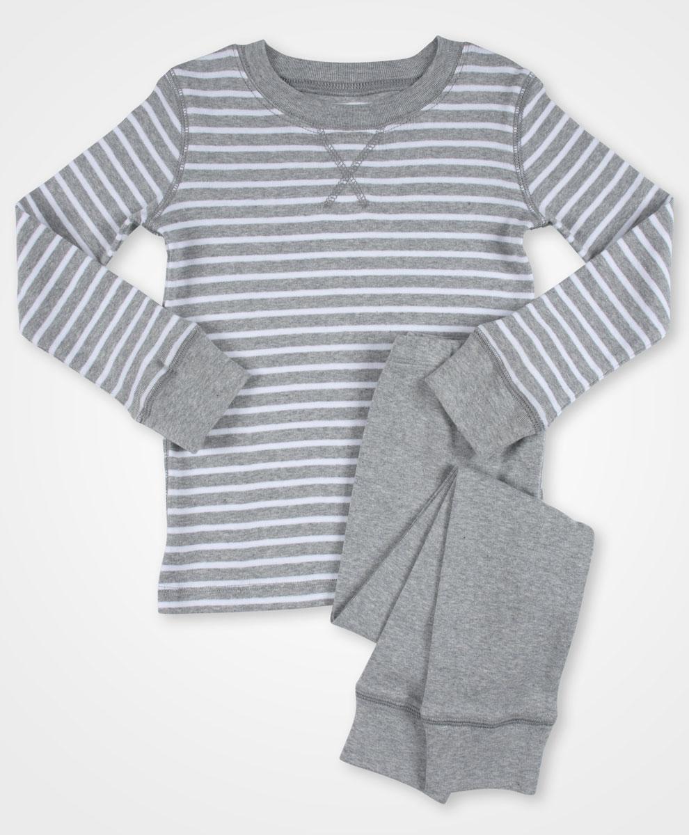 Toddler Long Sleeve Organic Pajama Set| Kind Gift Guide akindjourney.com