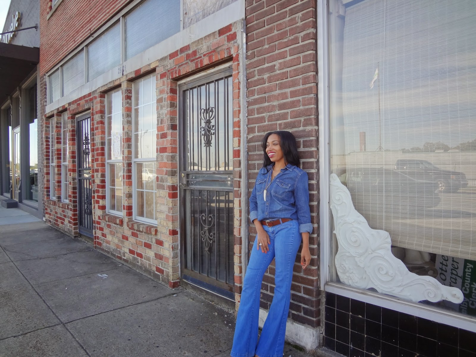 Andrea Fenise Memphis Fashion Blogger shares how to create a personal style tearbook