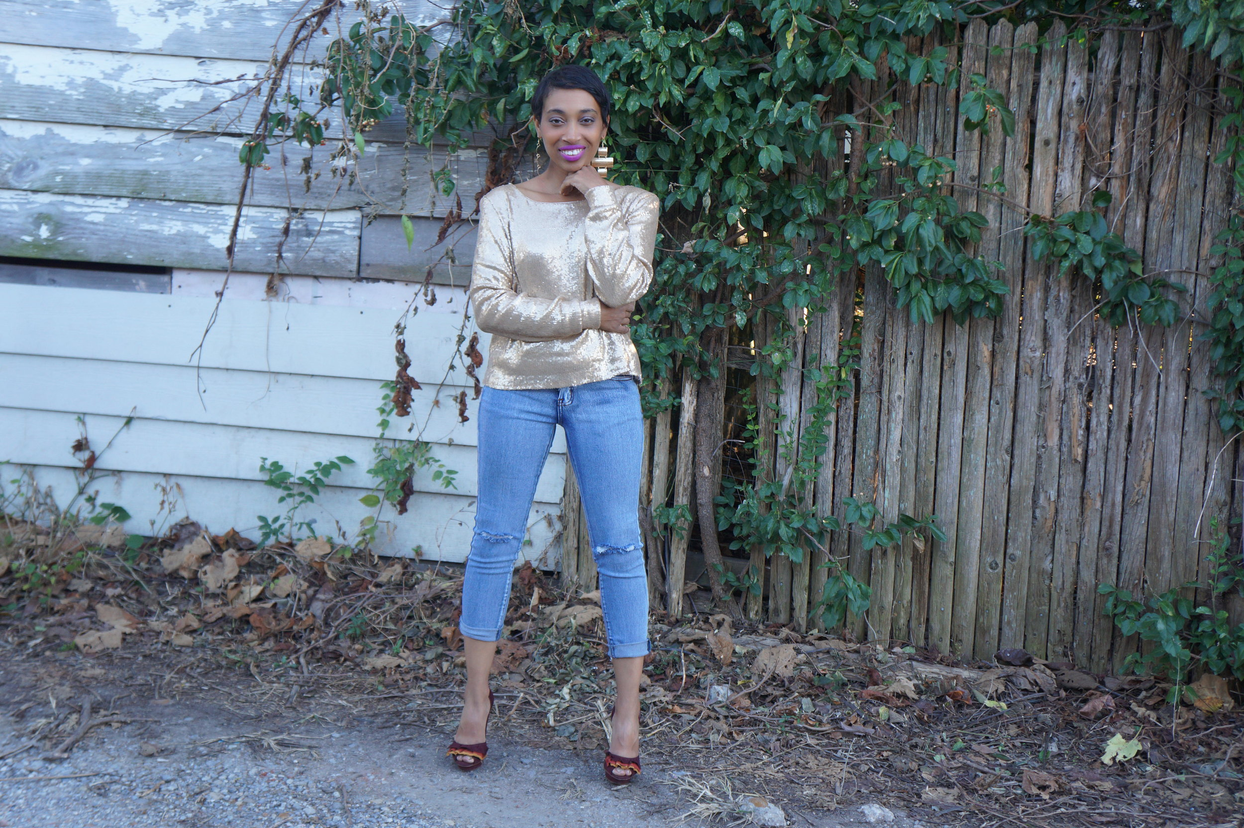 Andrea-Fenise-Turn-Your-Room-Into-An-Outfit-Maroon and Gold8