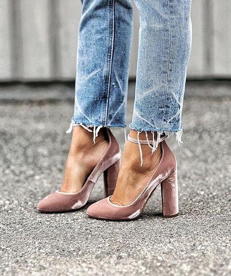 Andrea_Fenise_Velvet_Fashion_Inspiration
