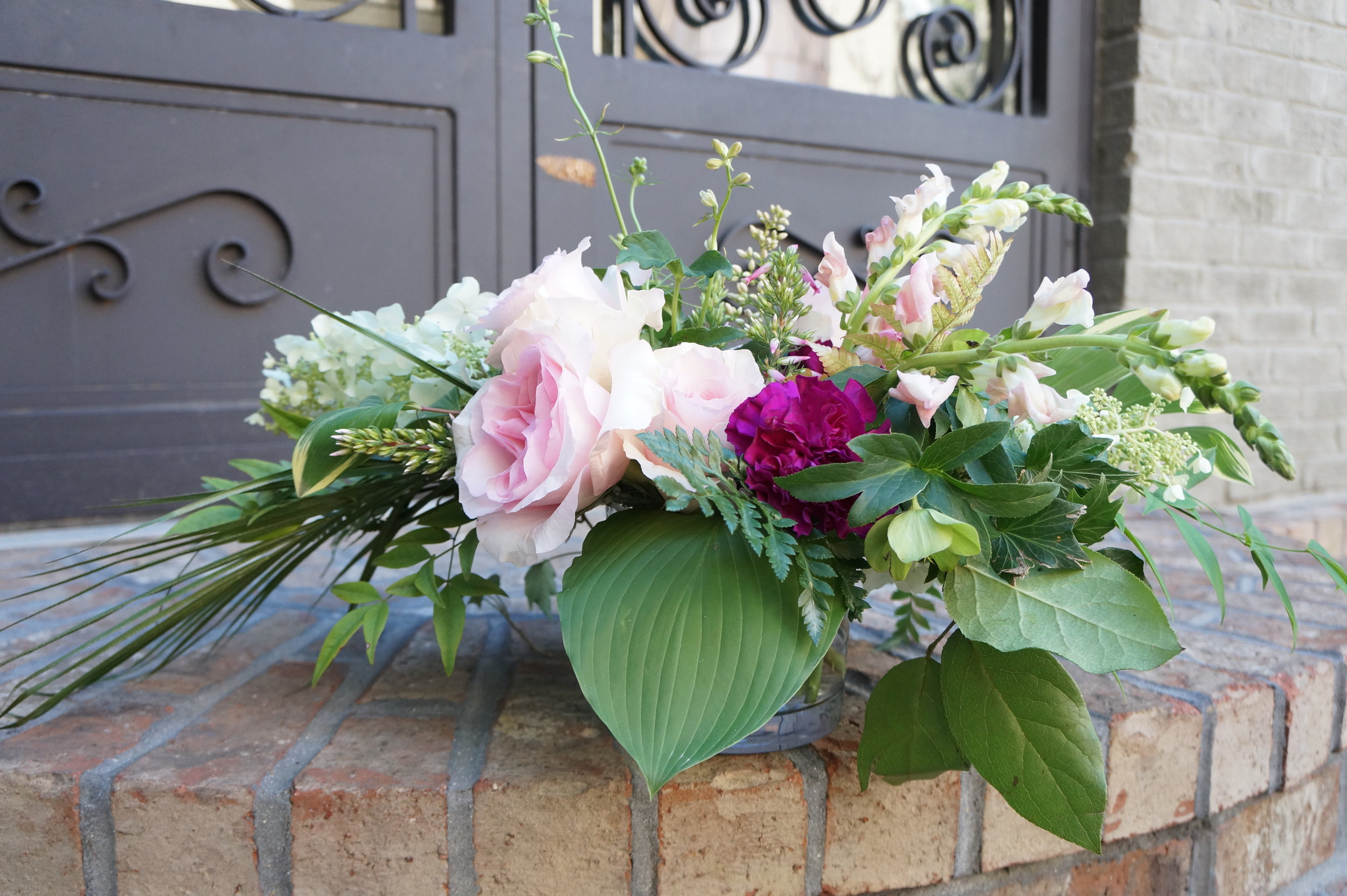 Andrea Fenise Memphis Fashion Blogger shares how to make a diy floral arrangement