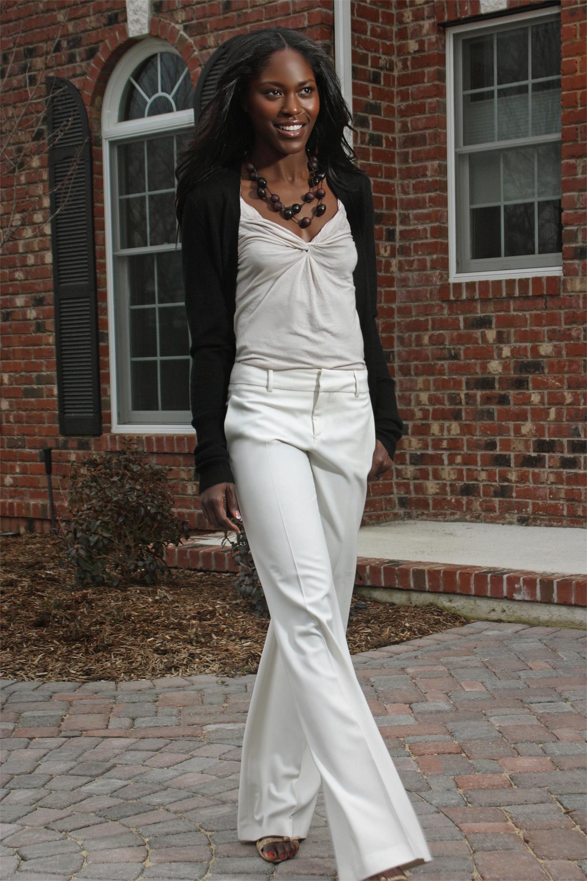 Andrea Fenise Memphis Fashion Blogger interviews Aeshia Devore Branch of Pretty Girls Sweat