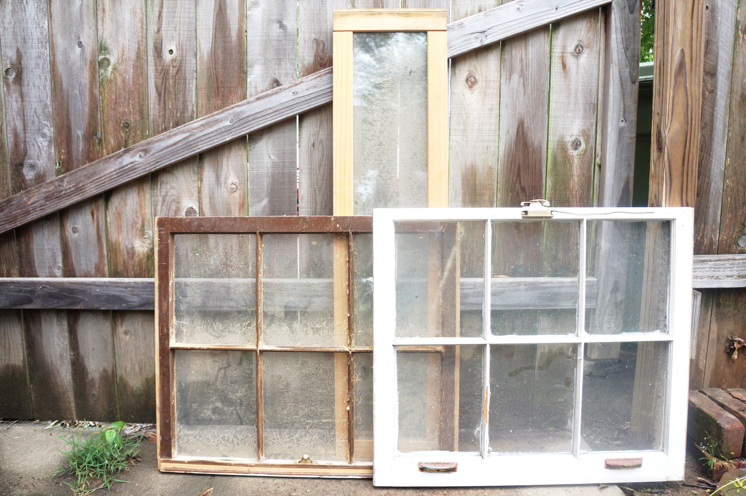 Andrea Fenise Memphis Fashion Blogger shares a few ideas of decorating with old window frames