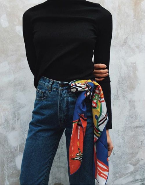 Andrea Fenise Memphis Fashion Blogger shares how to style a scarf for fall transition
