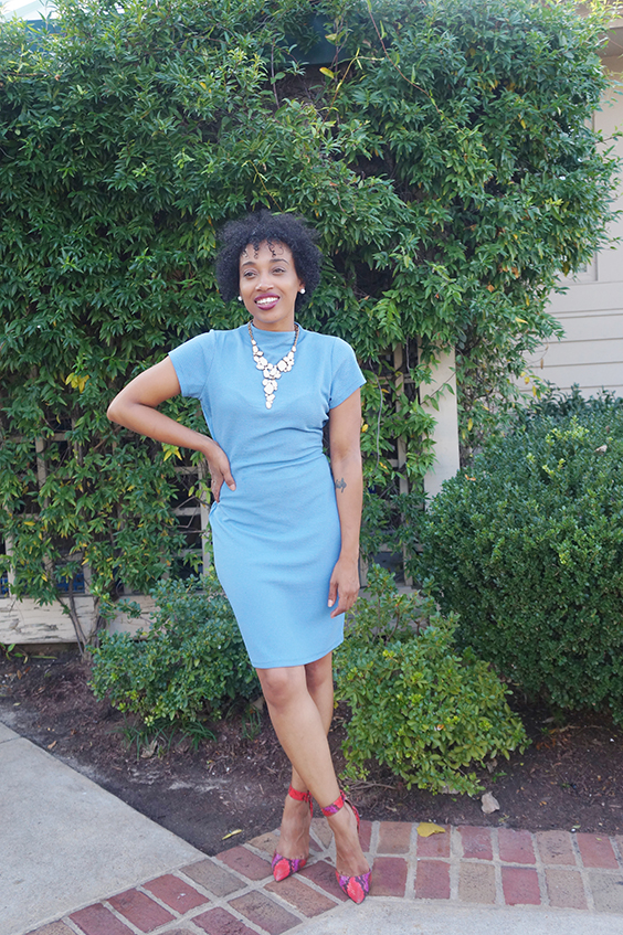 Andrea Fenise Memphis Fashion Blogger turns a room into an outfit
