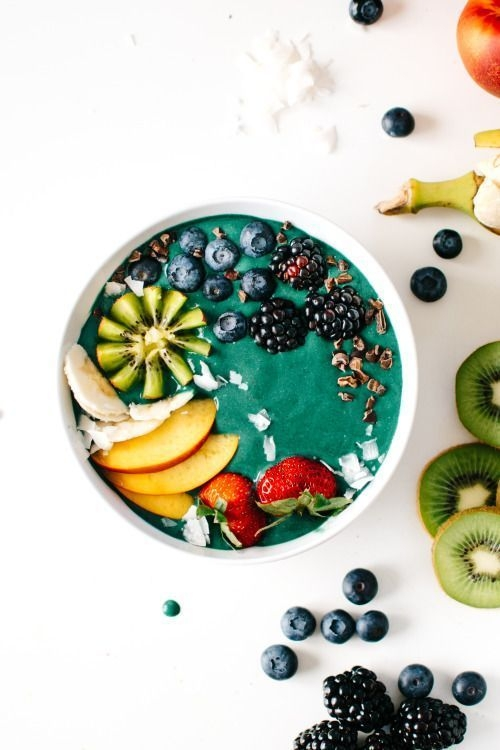 Andrea Fenise Memphis Fashion Blogger shares Nourish Bowls and how to make them