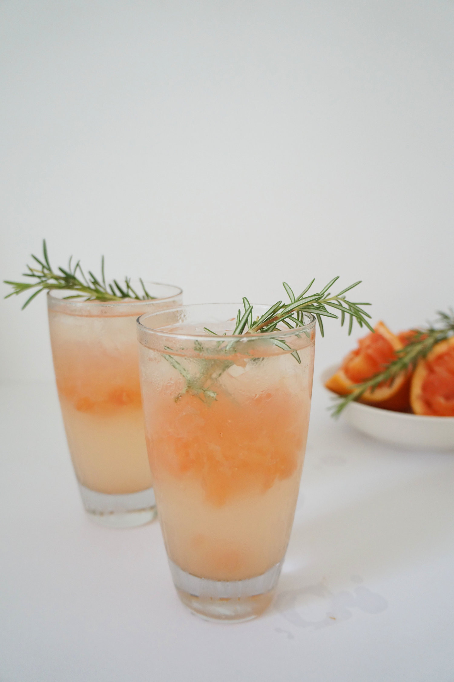Andrea Fenise Memphis Fashion Blogger shares Rosemary and Grapefruit Cocktail