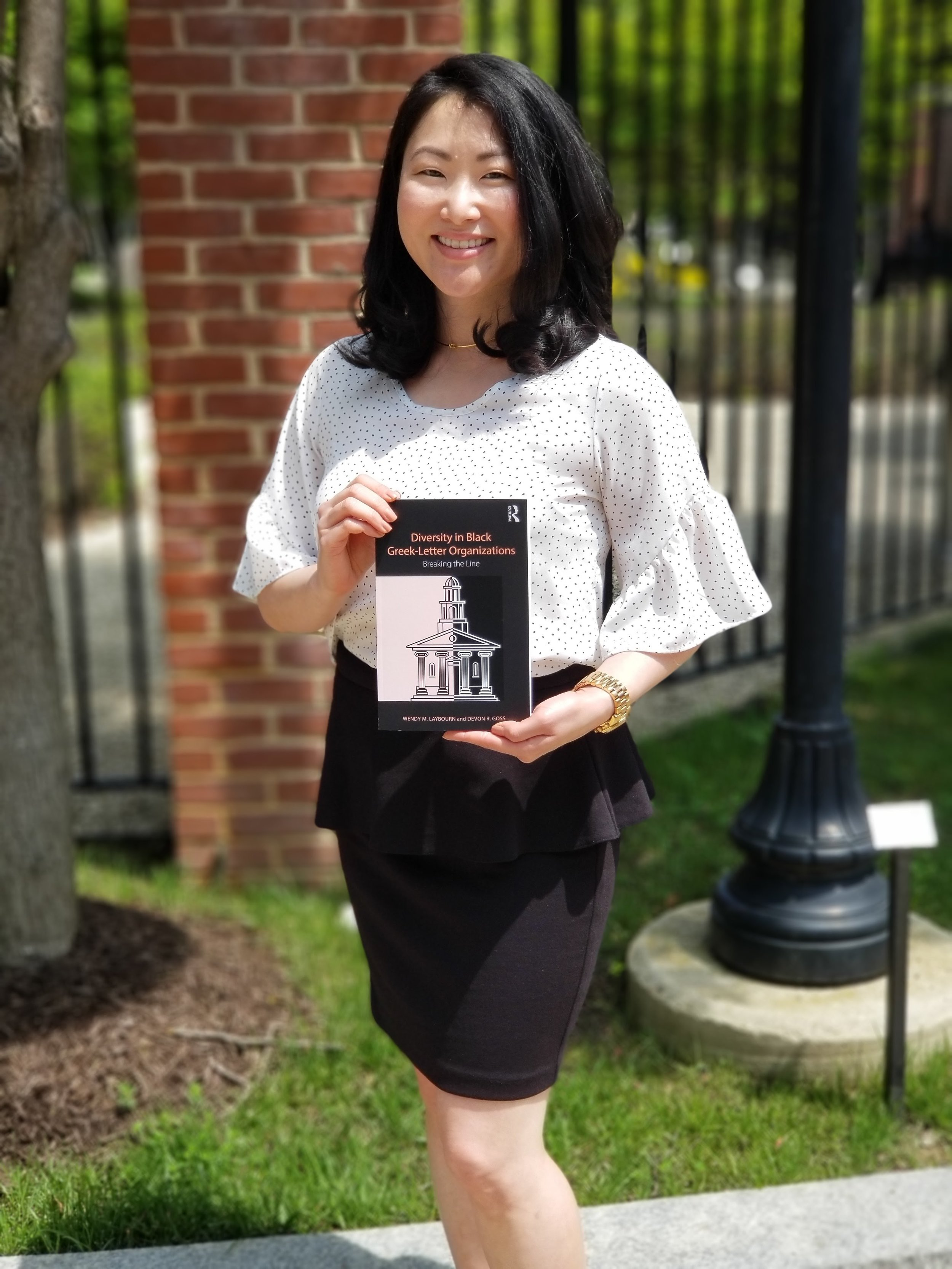 Andrea Fenise Memphis Fashion Blogger features Wendy Layborn for Working Woman feature