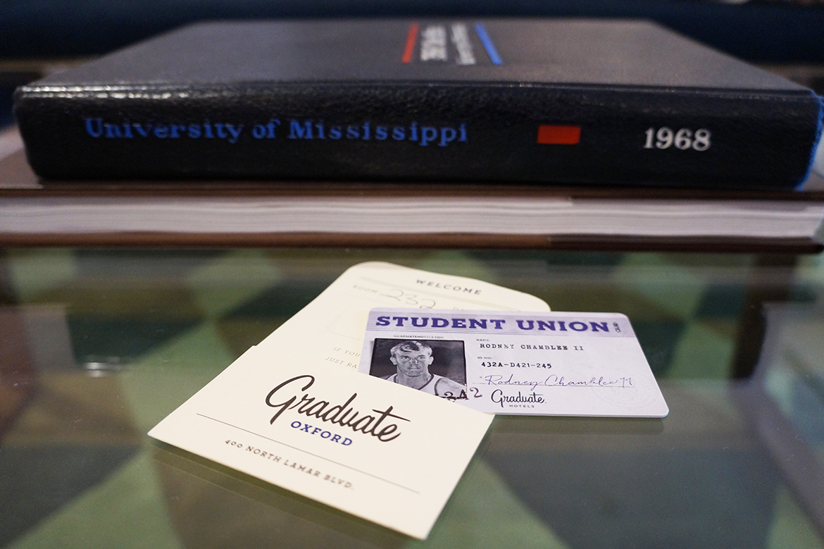 Andrea Fenise Memphis Fashion Blogger and Memphis Travel Blogger shares stay at The Graduate Hotel