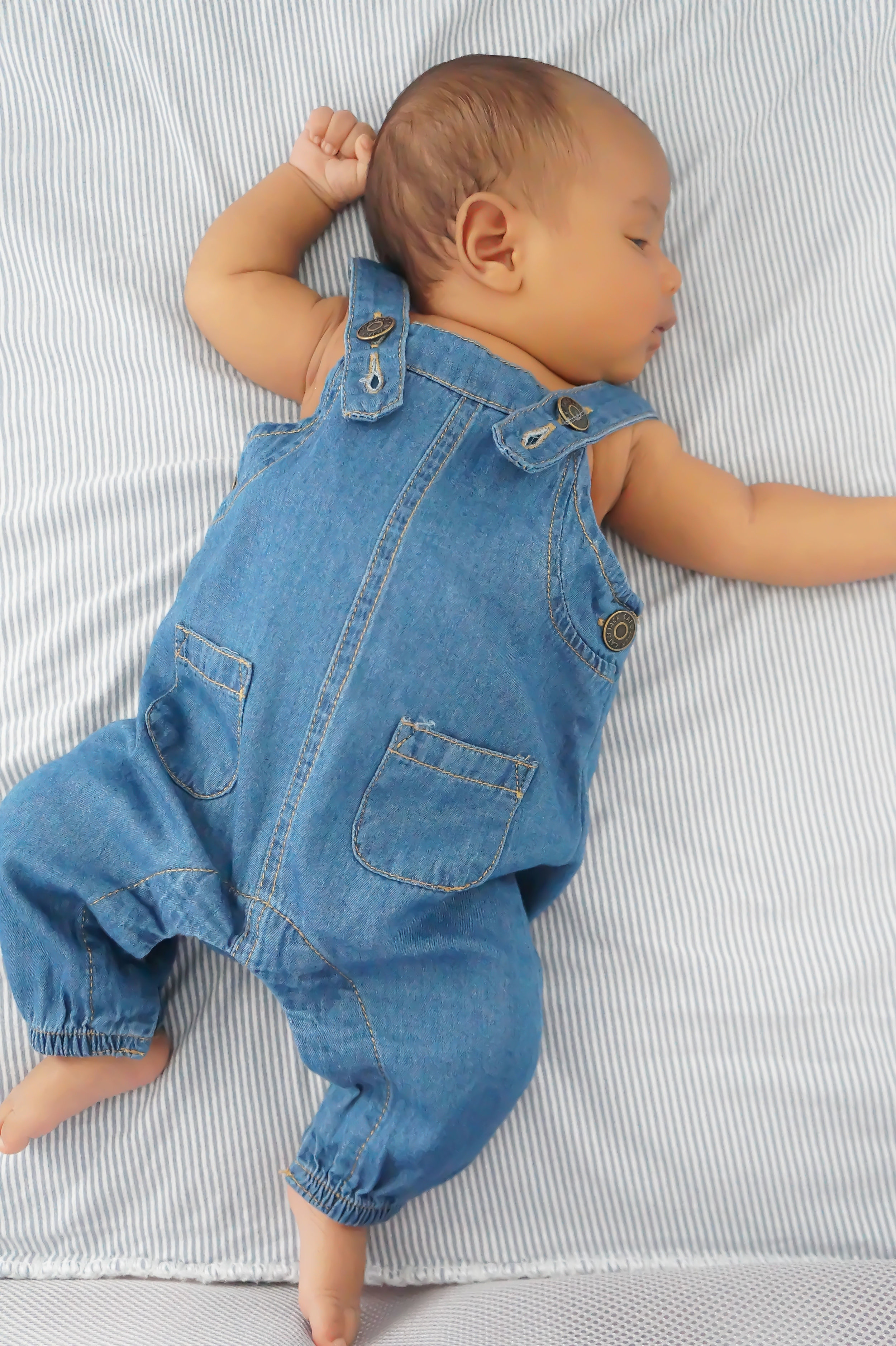 Andrea Fenise Memphis Fashion Blogger shares newborn pictures