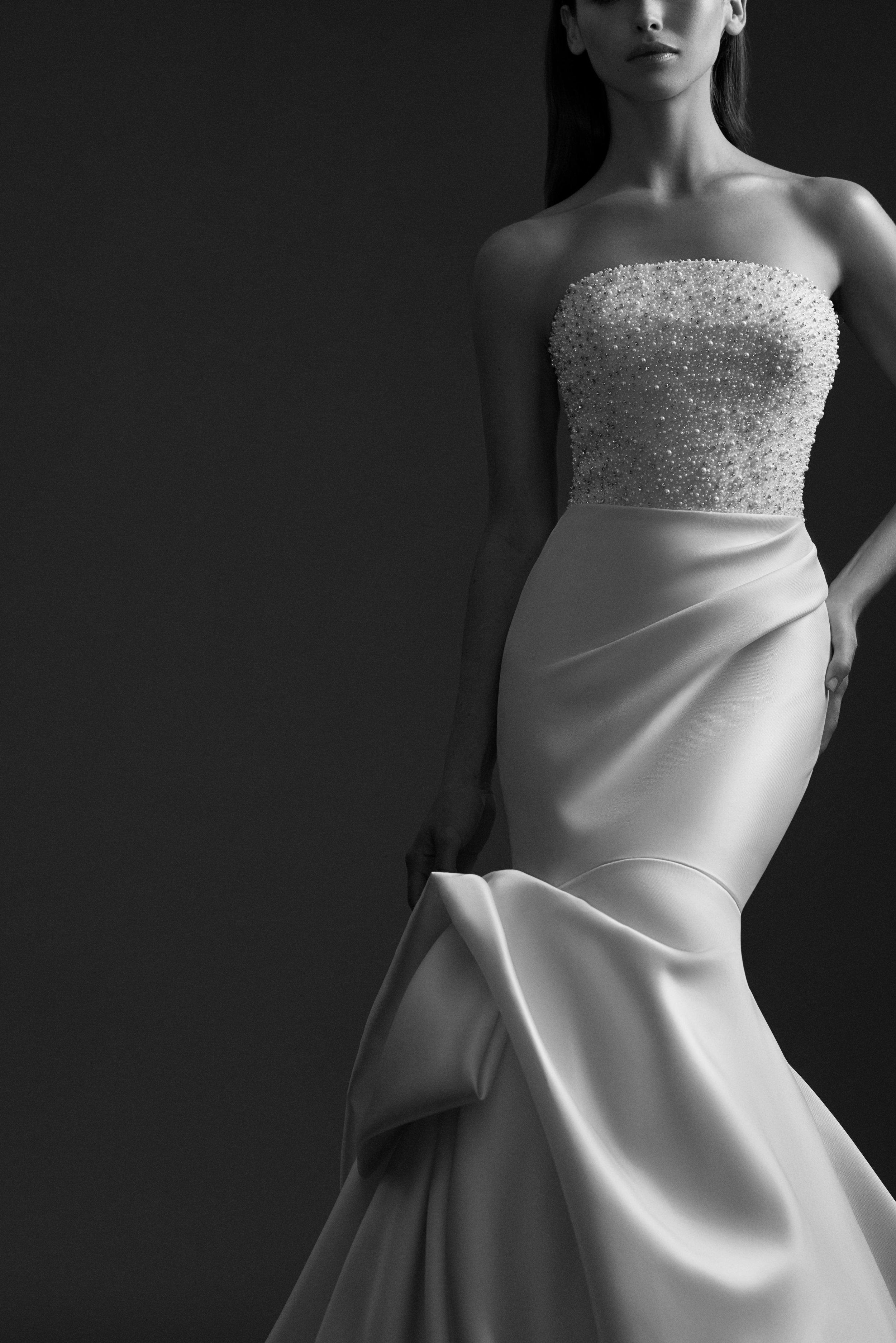 allison-webb-bridal-fall-2018-style-4858-penelope_5.jpg