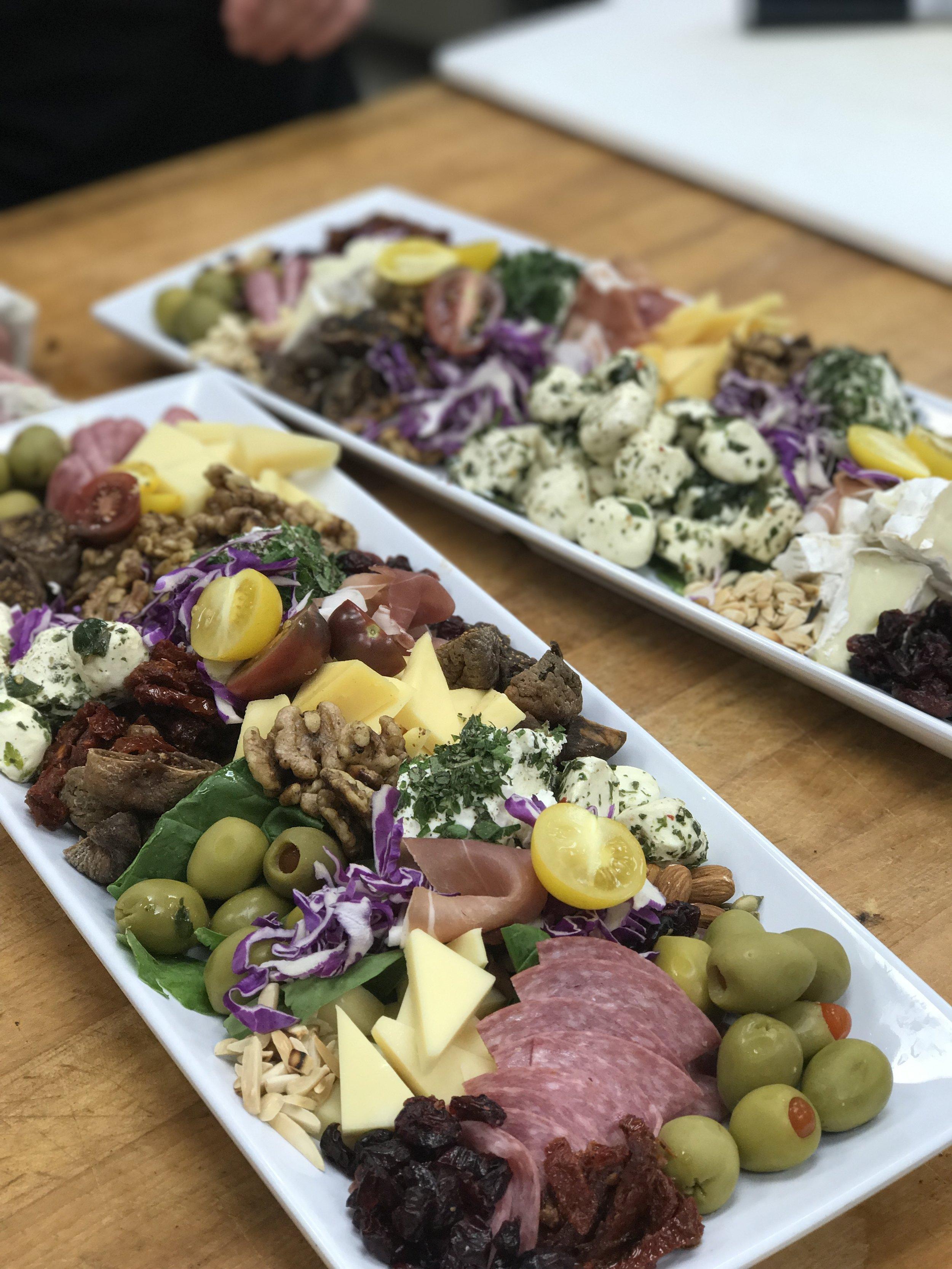 Photo Oct box-lunches-breakfast-buffett-appetizers-full-buffett-office-catering-lenexa-mission-hills-plaza-kcmo-organic7.jpg