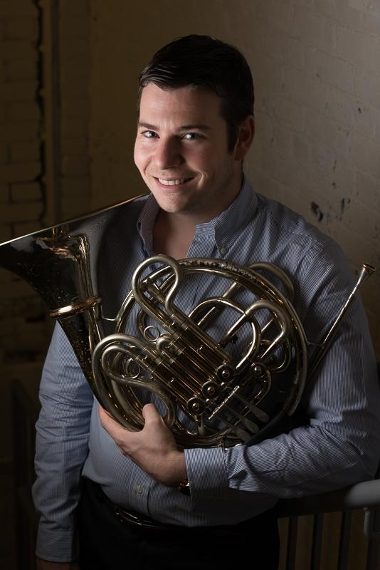 Nick Auer, Horn