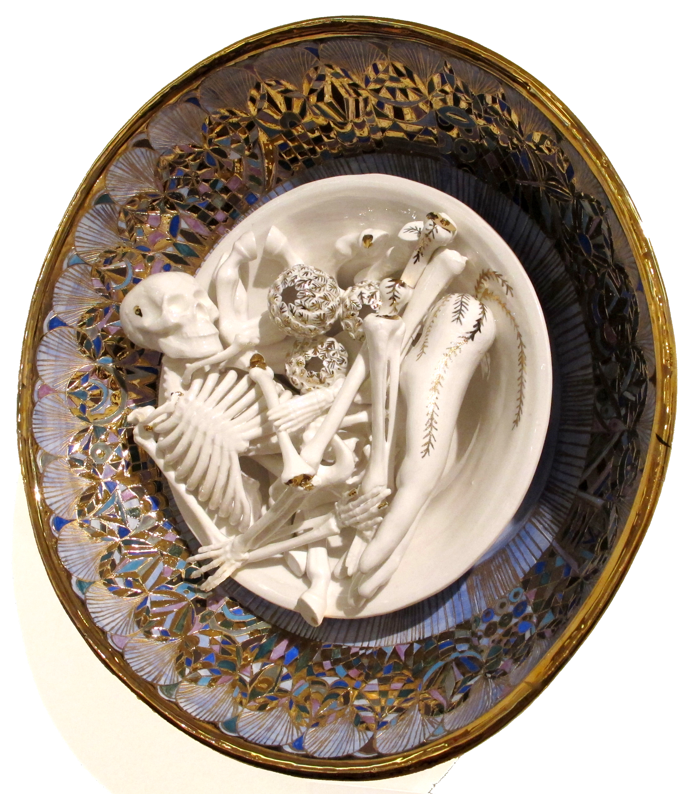 YHL_Skull and Hand plate_Porcelain 40x40cm side.jpg