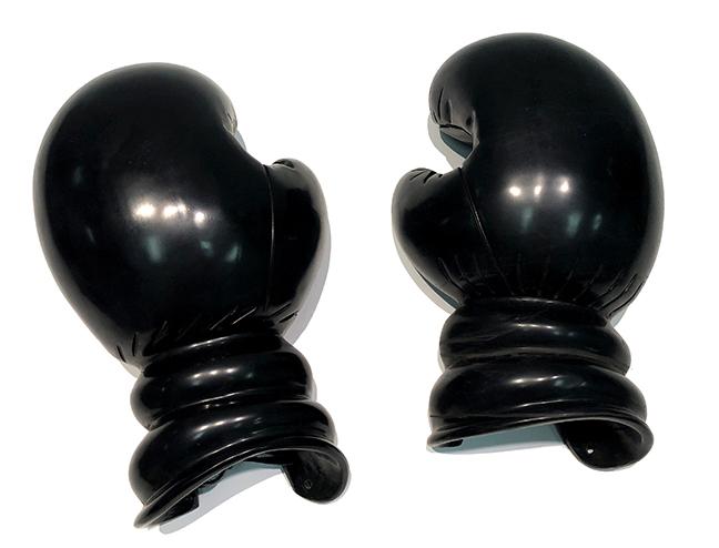 KL_Boxing Gloves IV_Black Marble_34x13x20cm07_sm.jpg