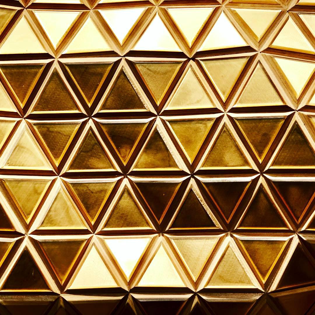 HGU_Golden Karat_20x45in-51x114cm_D1.jpg