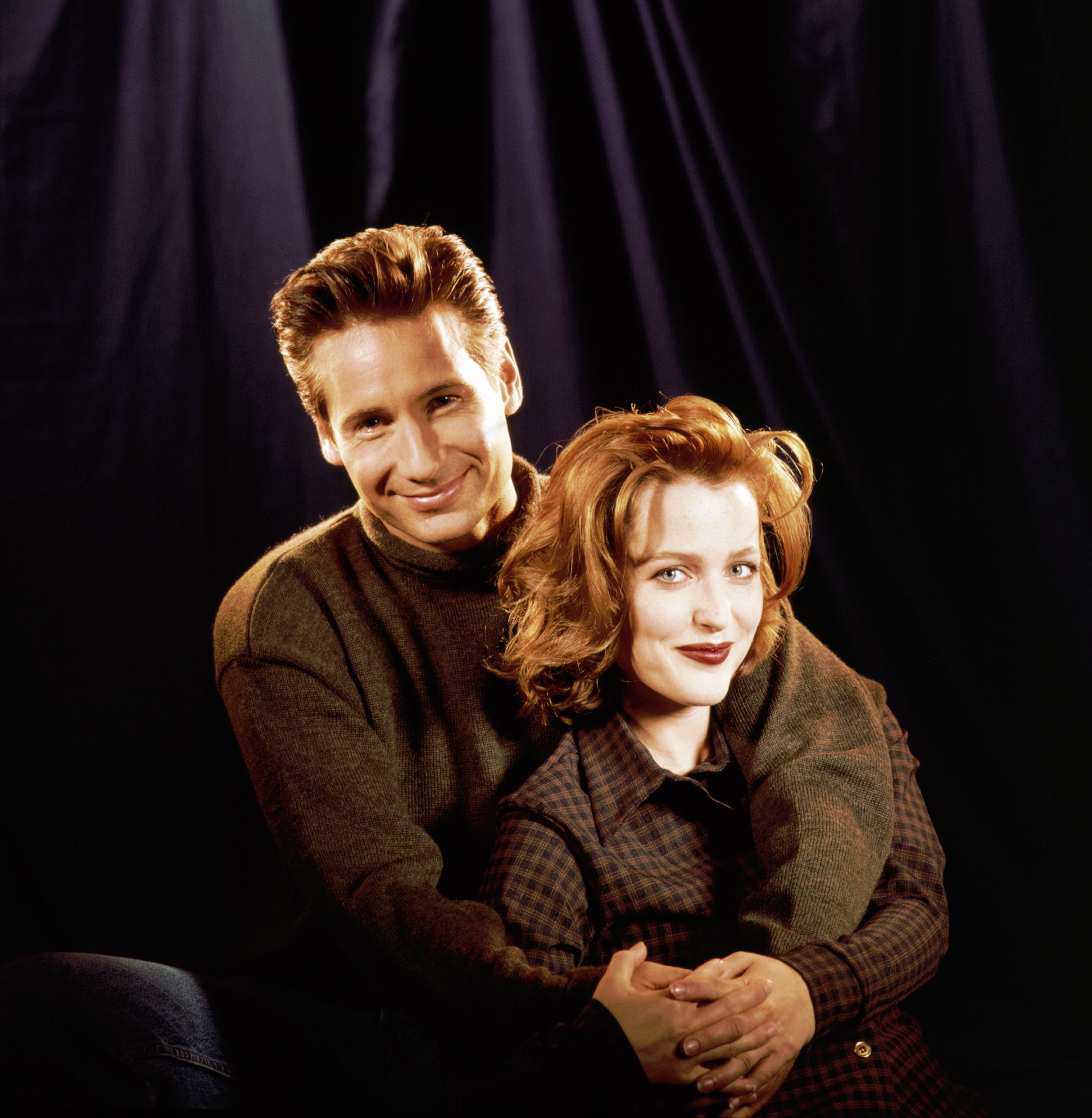 They took a goddamn awkward-family-photos-style promo shot. Well done, '90s.