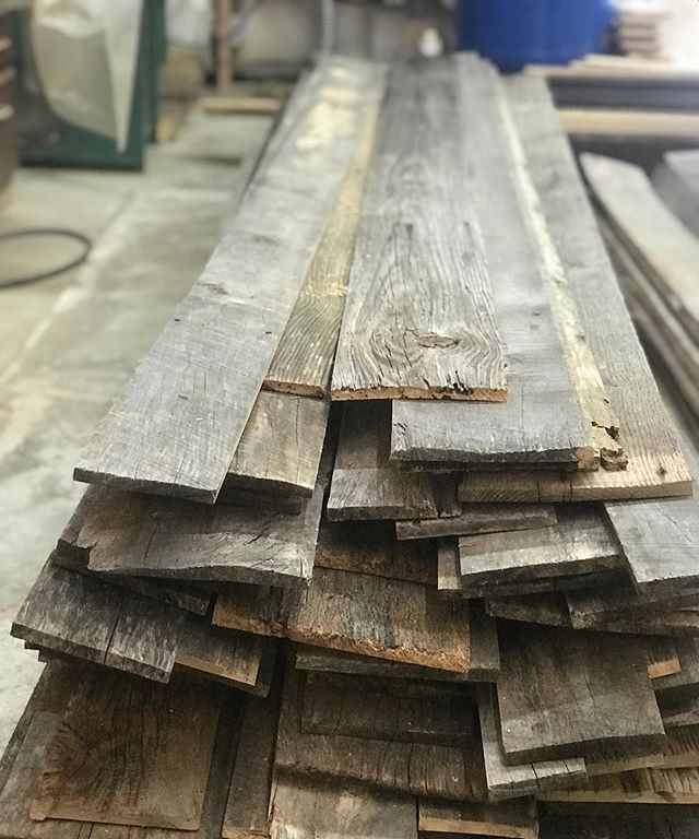Order up! 600 sqft of gorgeous silver barnwood! Re-sawn to keep the brown backsides then planed for easy installation.  We will be giving a 30' tall alcove some historic character 🤓 #woodwork #ilovemyjob #barnwood #reclaimedwood #interiordesign #history #barns #travel #ocean #myrtlebeach #sc