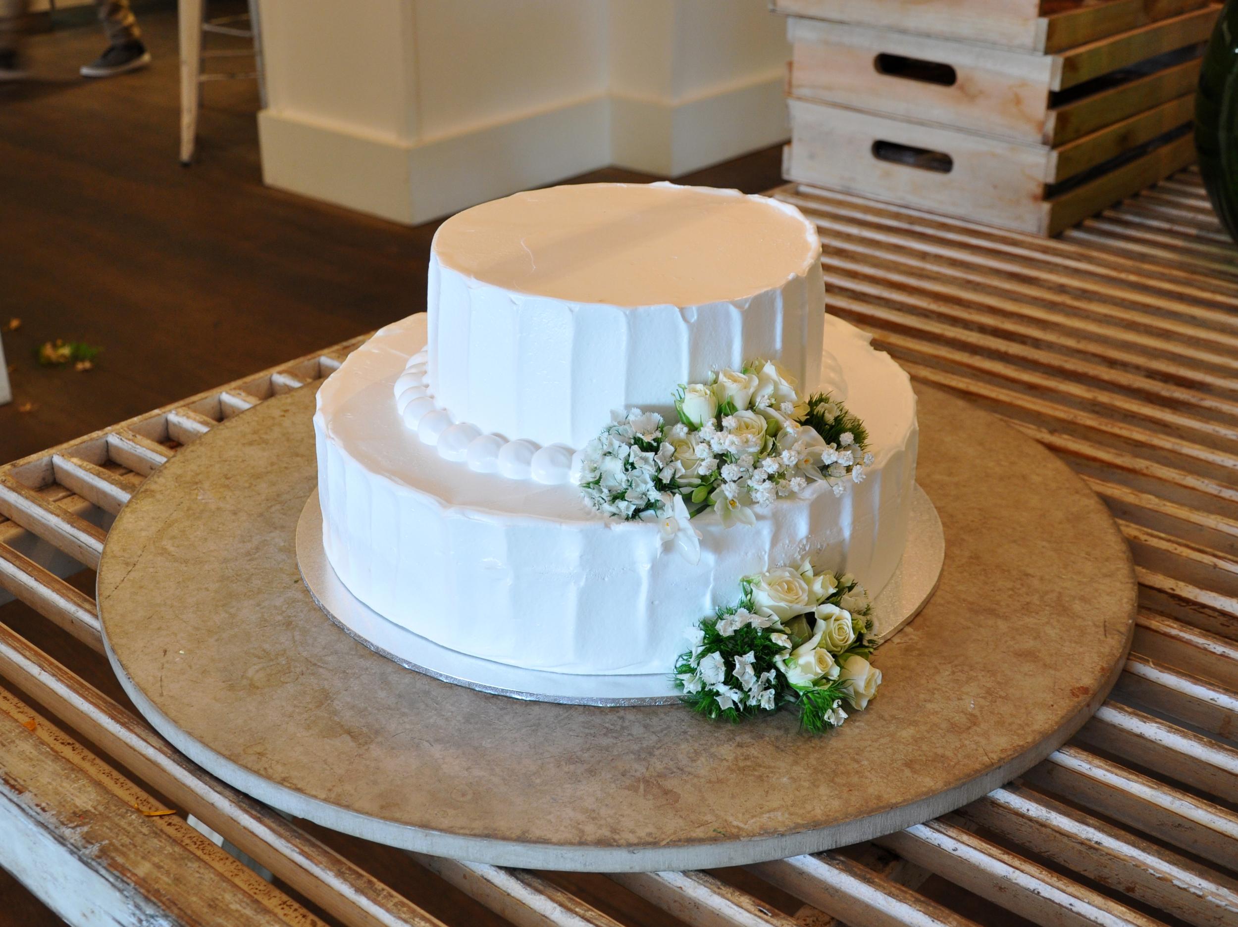 WeddingCake2.jpg