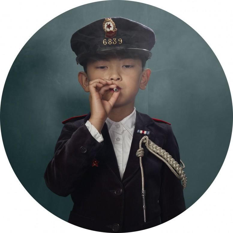 frieka_janssens_smoking_kids_3