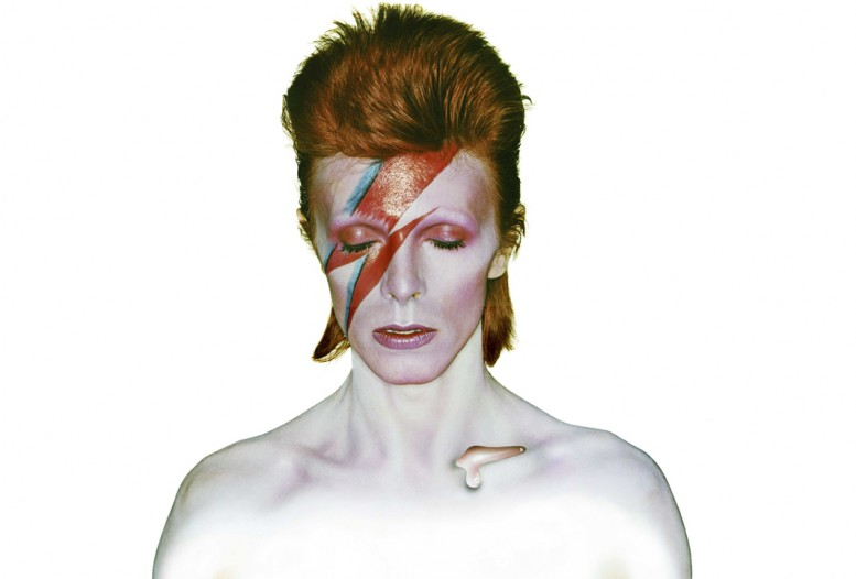 david-bowie-by-aladdin-sane-1973_brian_duffy_chris_duffy_annabel_graham_pas_un_autre