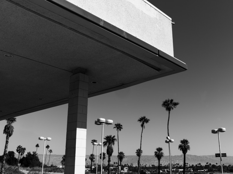 portrait_of_a_defeated_architecture_hedi_slimane_palm_springs_11