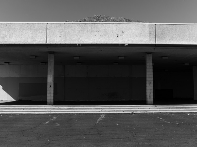 portrait_of_a_defeated_architecture_hedi_slimane_palm_springs_15
