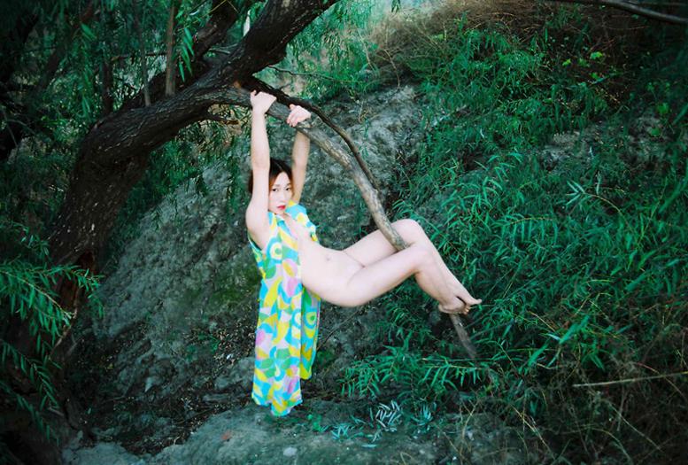 hanging_ren_hang.jpg