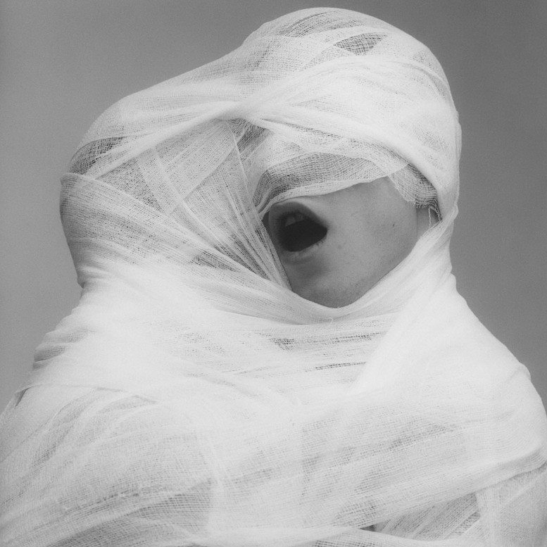 Robert-Mapplethorpe.-White-Gauze-1984