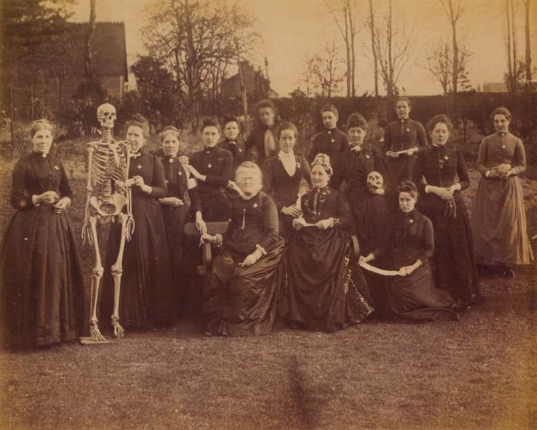 The_Face_in_the_Lens_Robert_Flynn_Johnson_UK_circa_1900