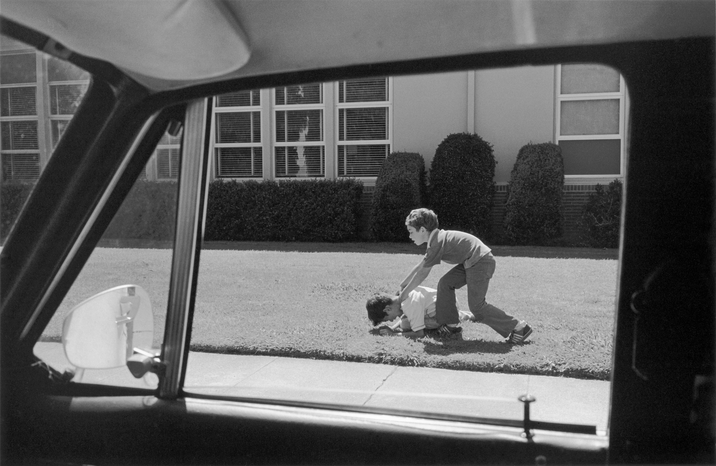 Henry Wessel Incident No.6 De la série Incidents, 2012 © Henry Wessel; courtesy Pace/MacGill Gallery, New York