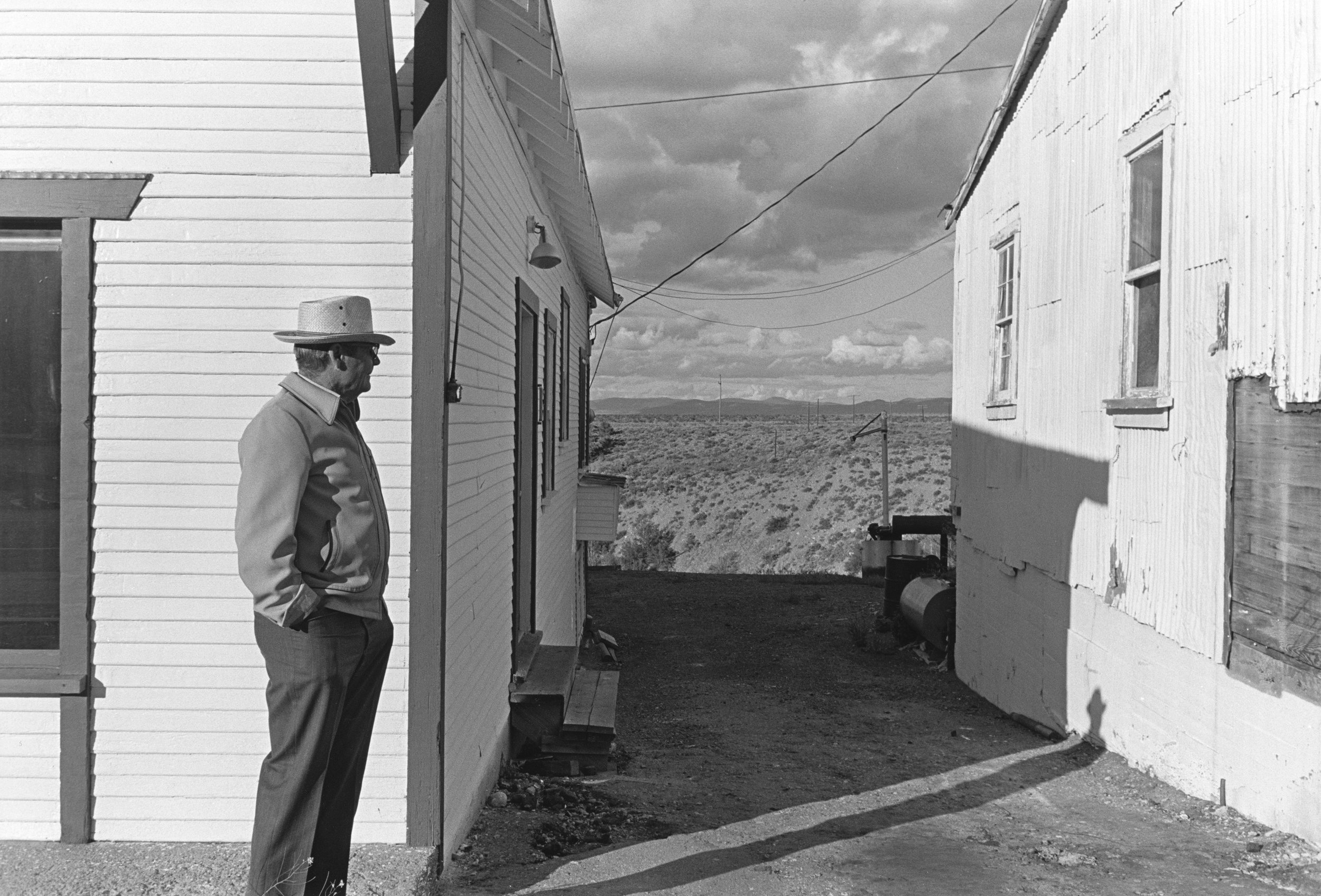 Henry Wessel Nevada, 1975 © Henry Wessel; courtesy Pace/MacGill Gallery, New York