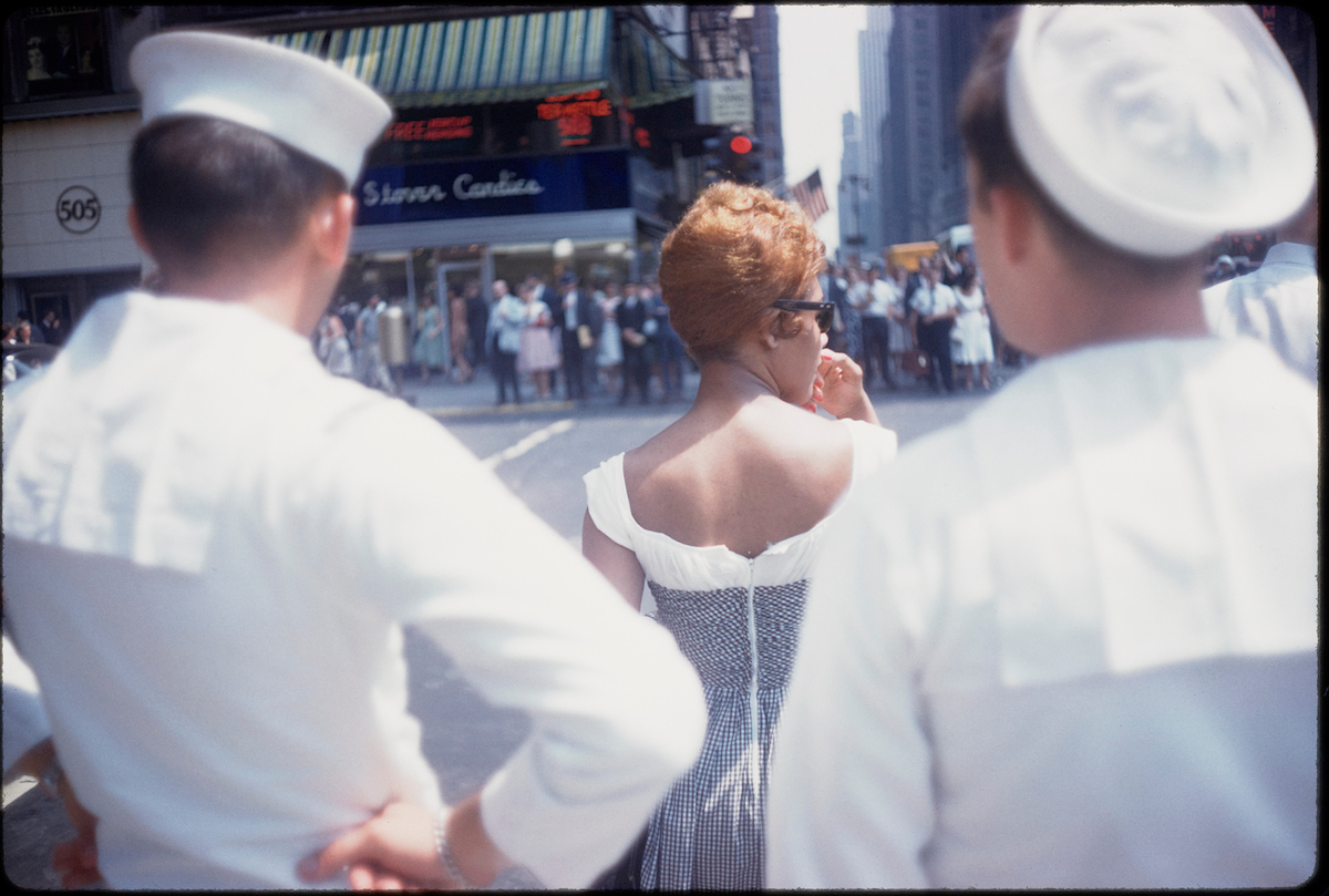 Garry Winogrand (American, 1928-1984). Untitled (New York), 1960. 35mm color slide. Collection of the Center for Creative Photography, The University of Arizona. © The Estate of Garry Winogrand, courtesy Fraenkel Gallery, San Francisco