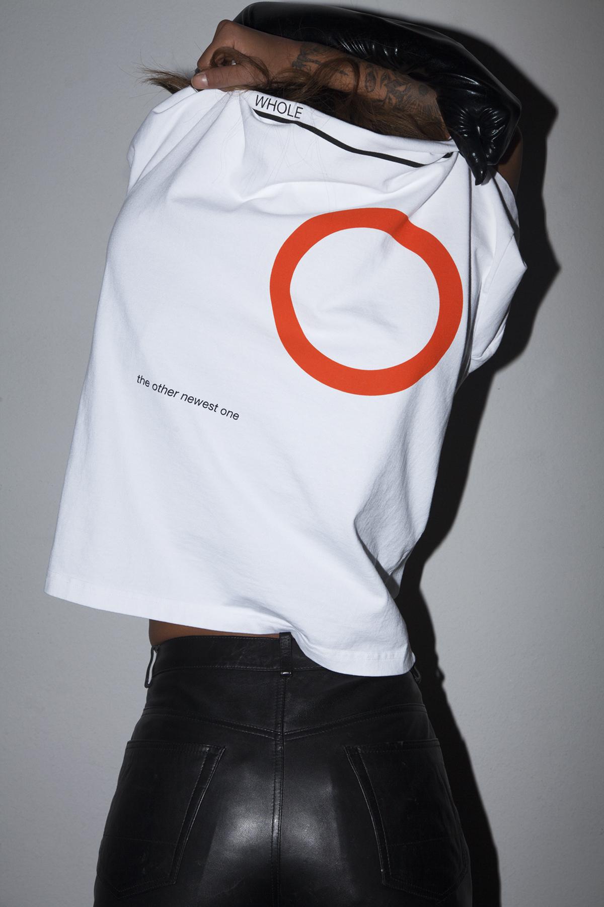 6_Gloves_Rear GI shirt_lifestyle_100.jpg