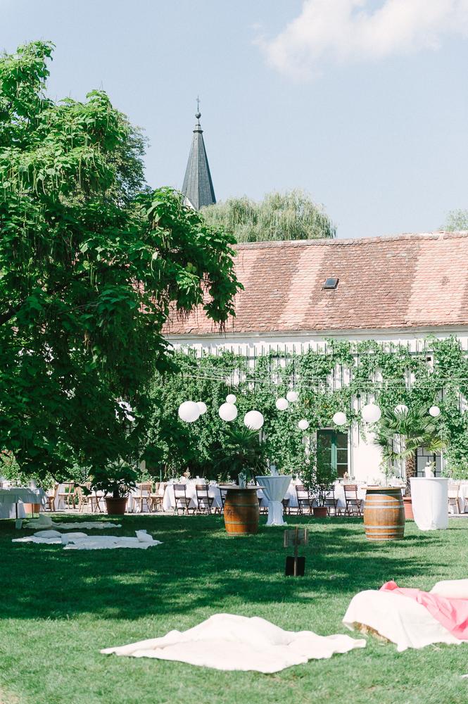 entspannte Hochzeitslocation Schloss Mühlbach