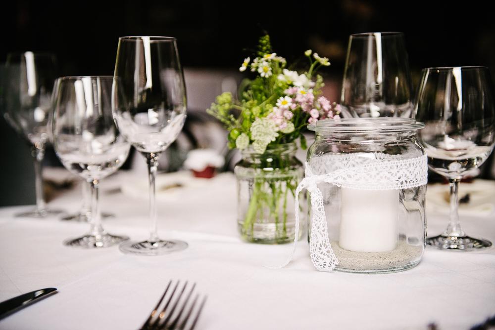 Hochzeitstafel Scheunenhochzeit
