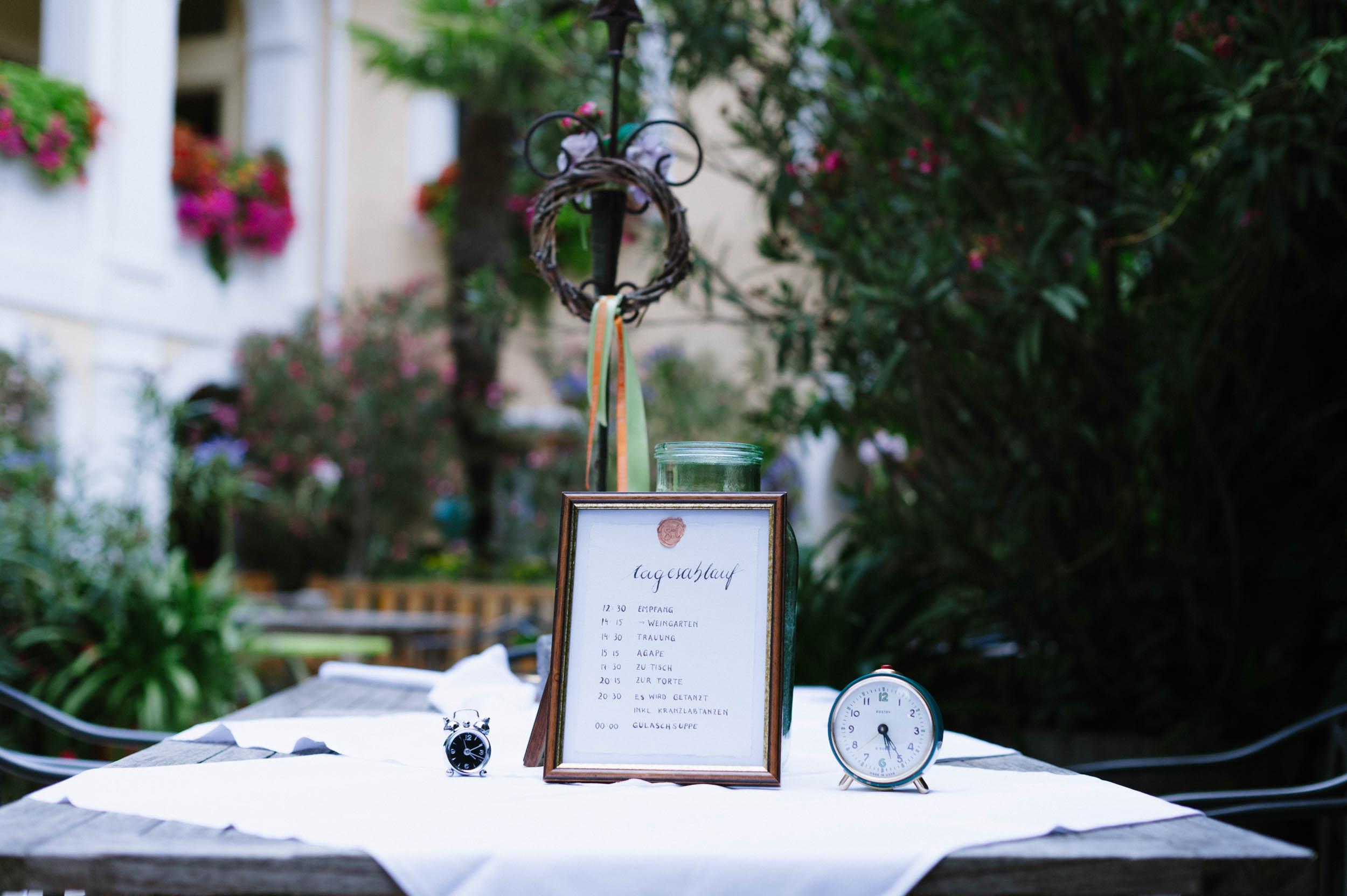 belle&sass__Hochzeit im Weingut Holzapfel_0006.jpg