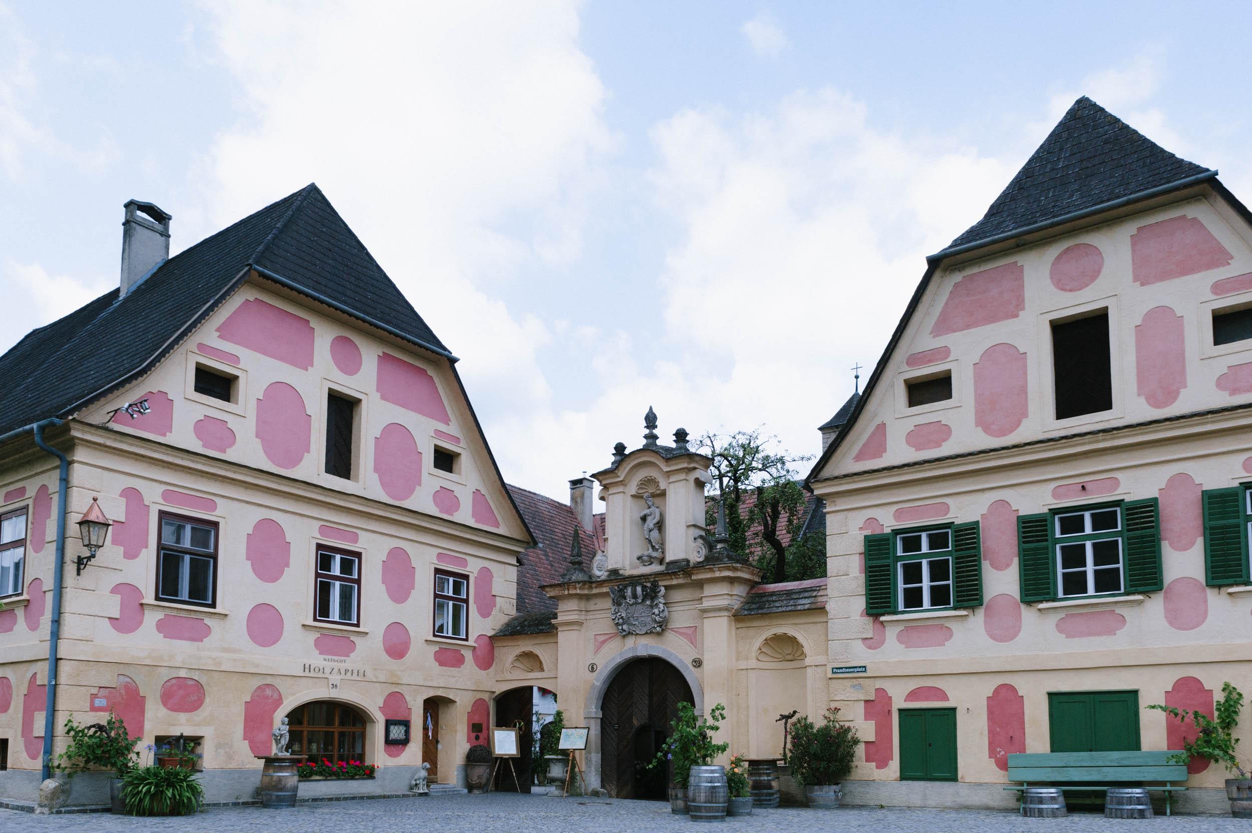 belle&sass__Hochzeit im Weingut Holzapfel_0013.jpg