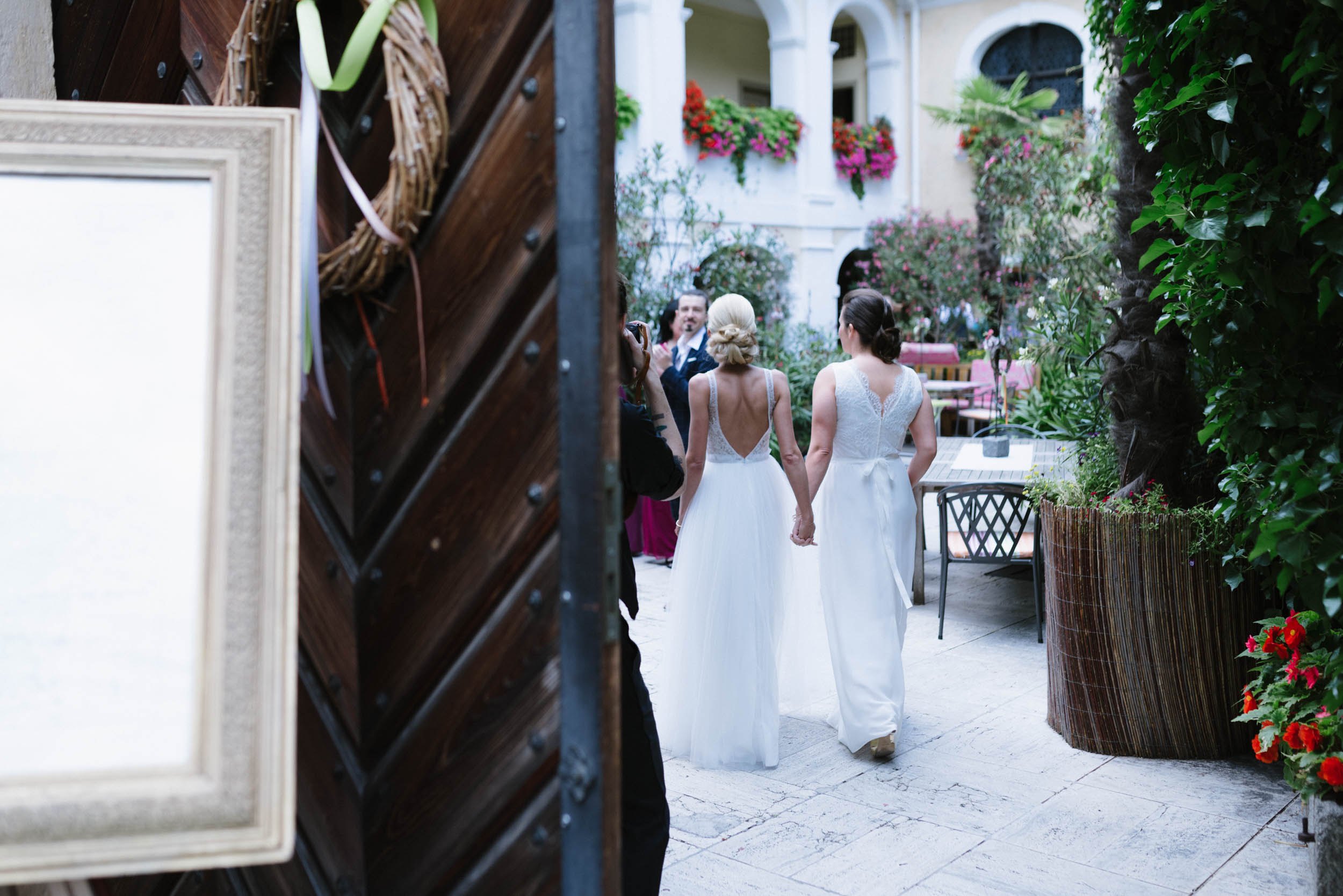 belle&sass__Hochzeit im Weingut Holzapfel_0019.jpg