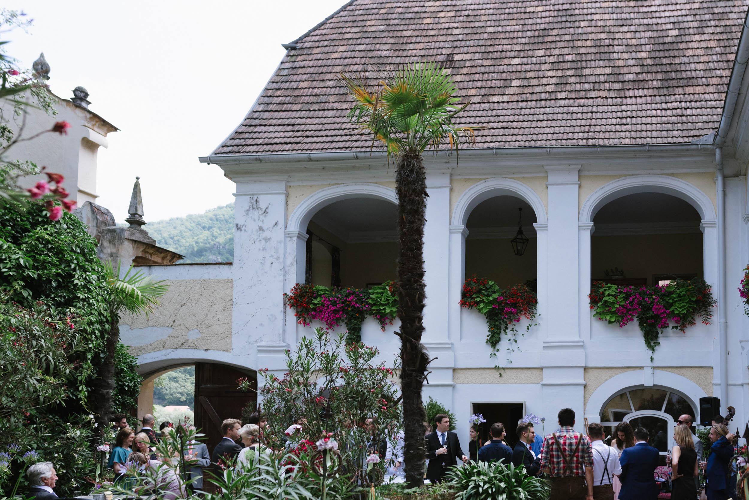 belle&sass__Hochzeit im Weingut Holzapfel_0030.jpg