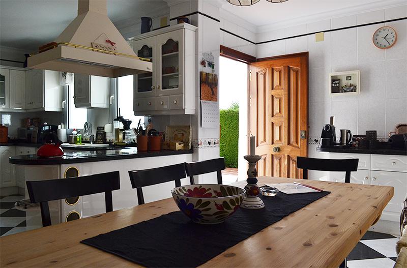 la_choza_kitchen.jpg